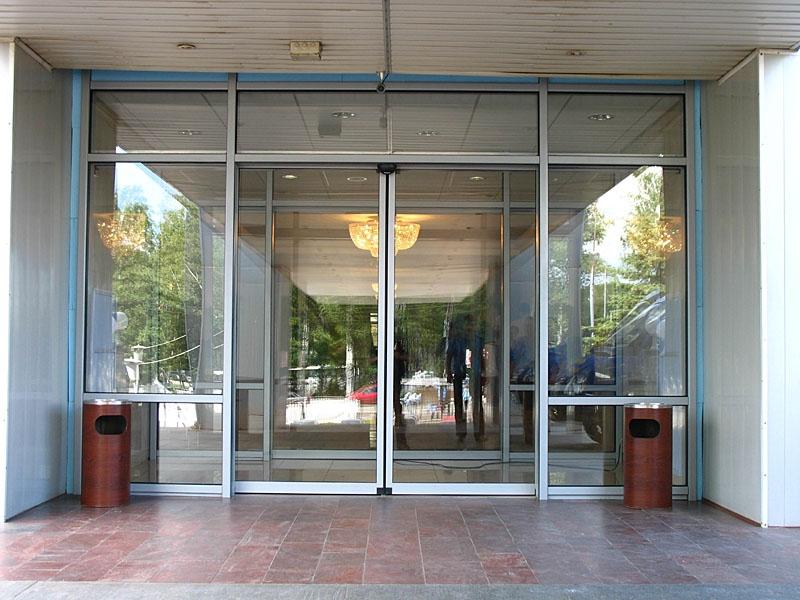 входные автоматические двери