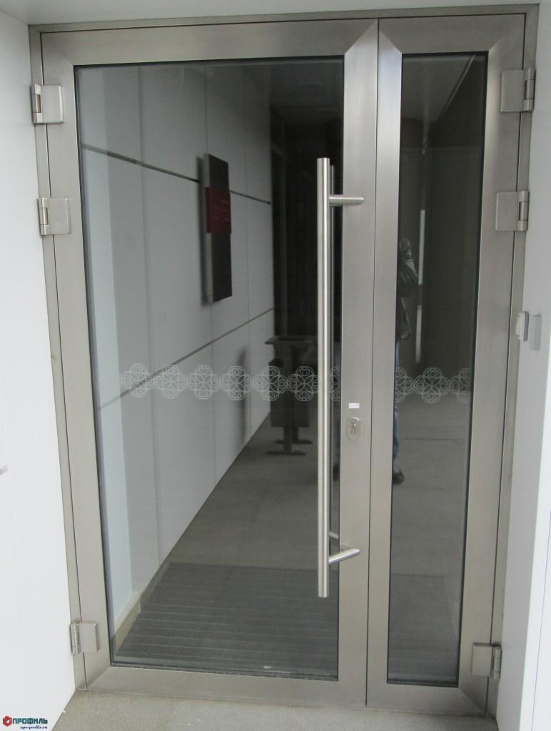 двери из нержавеющей стали